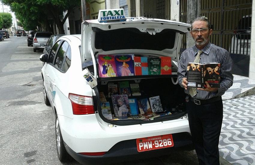 """Taxista no Ceará monta """"Bibliotáxi"""" e oferece livros de graça para passageiros"""