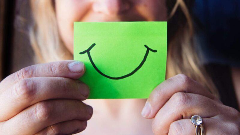 Dia mundial do riso: veja quais regiões do cérebro o riso envolve e qual a sua importância