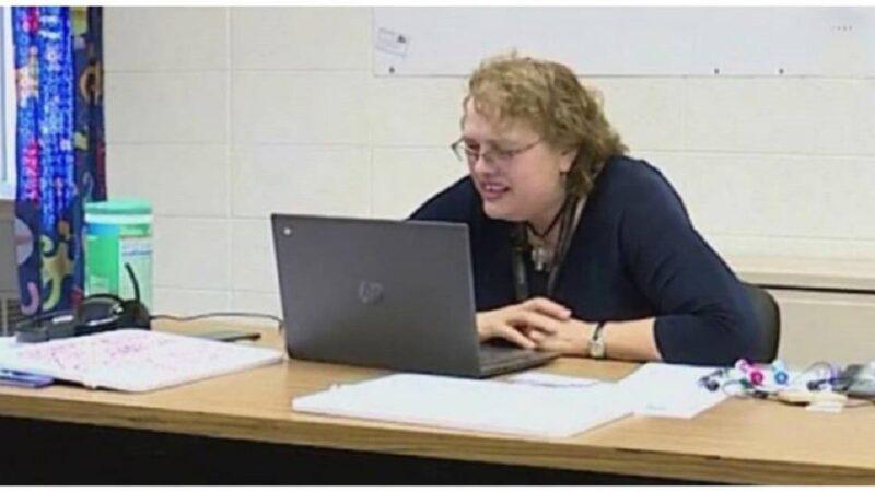 Professora salva avó de aluno ao notar sinais de derrame durante aula online