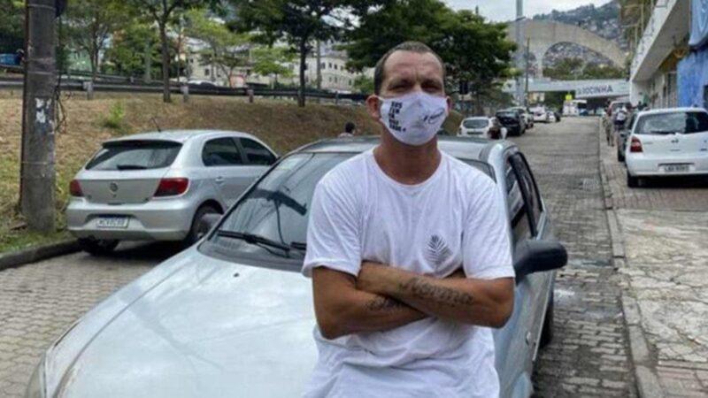 Motorista de App é exemplo de humanidade ao levar idosos de graça pra vacinação no RJ