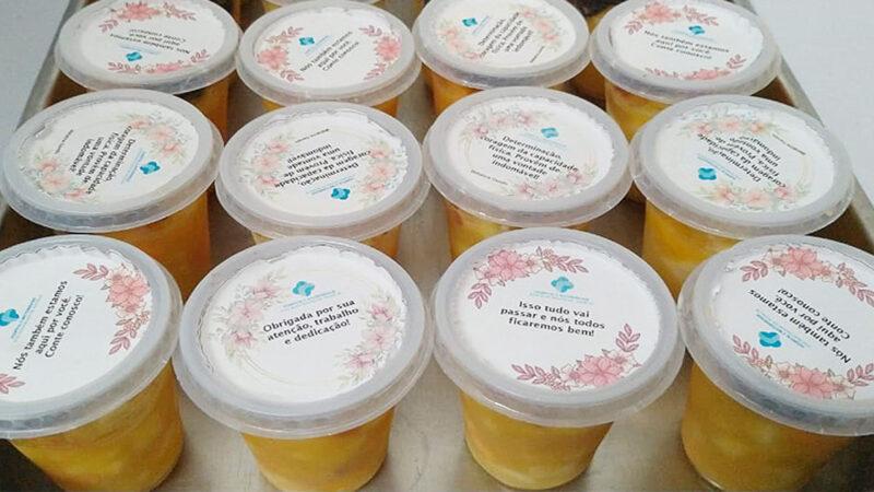 Governo do CE distribui sobremesas com mensagens de incentivo para equipes da Covid-19